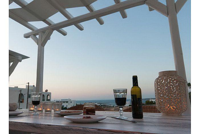 enjoy dining al  fresco on the verandah