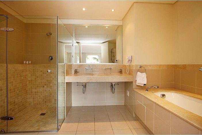 Master Bedroom En-suite