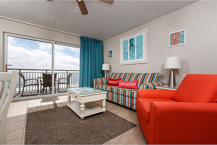 Living area with Gulf Front View!
